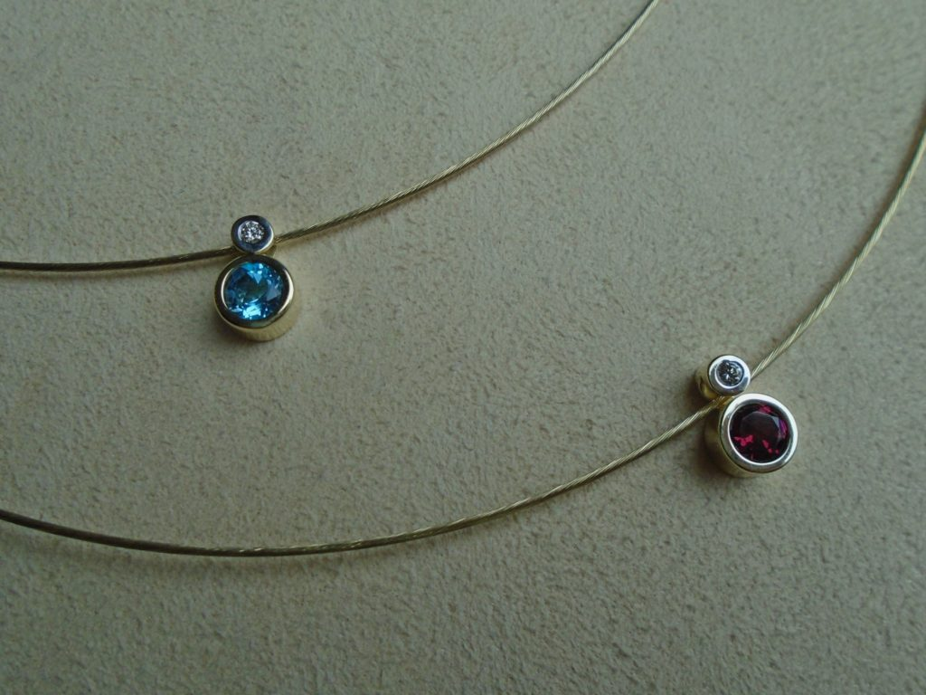 Gold Wire Garnet & Diamond Necklace